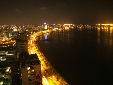 Foto Noturna da Cidade de Luando Capital de Angola