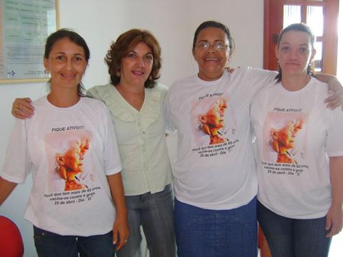 Nena Junto de outras ACS  do Loteamento Maria Cristina em Dia de Vacinação - Fazendo  a Diferença na Vida de Muitos