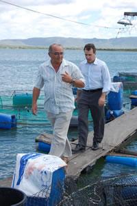 Pe Antonio Quando da Visita do Ministro da Pesca e Aquacultura do Brasil as Associações de Piscicultores em Jatoba-PE